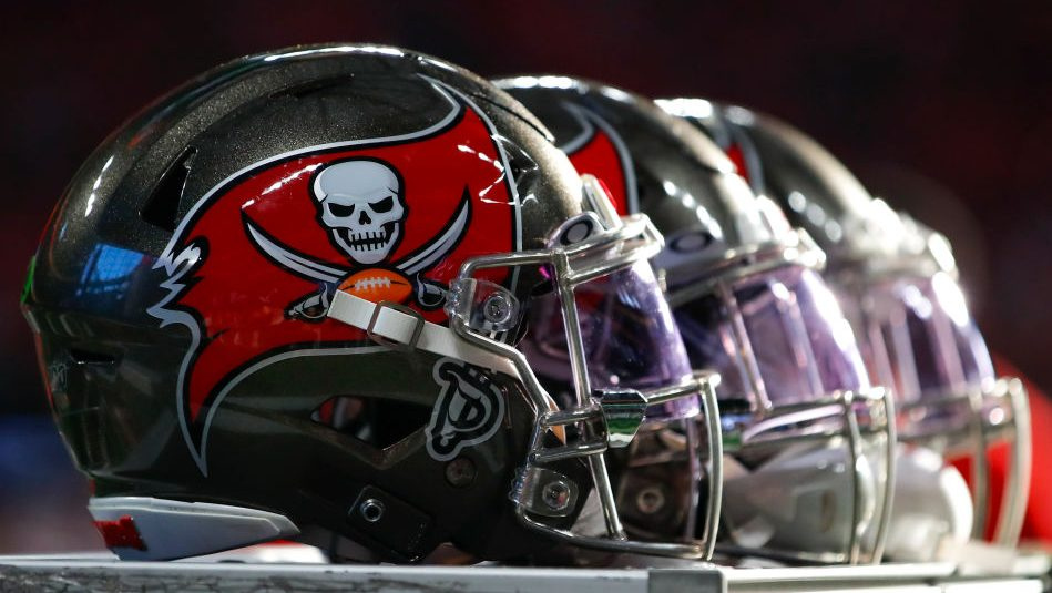 Buccaneers place two receivers on COVID-19 reserve list
