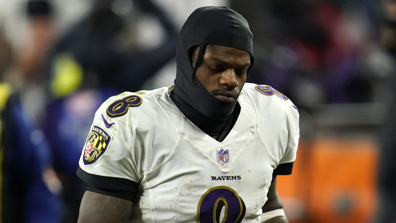 Ravens QB Lamar Jackson (cramps) returns vs. Browns after missing nearly all of 4Q