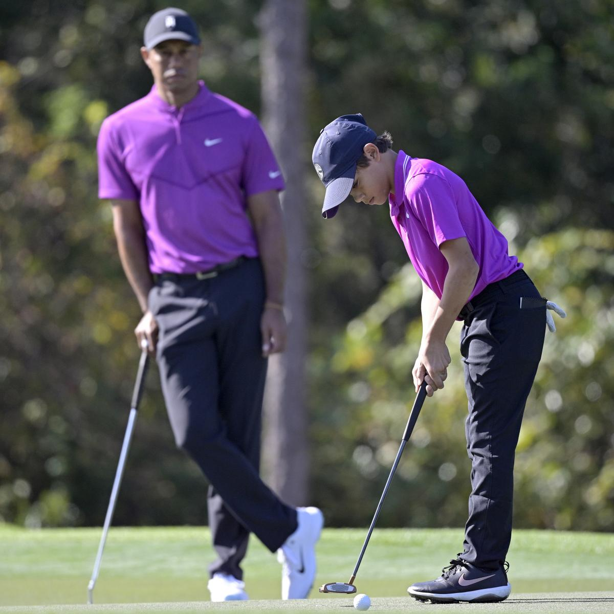 Tiger Woods, Son Charlie Shoot 10 Under in Opening Round of PNC Championship
