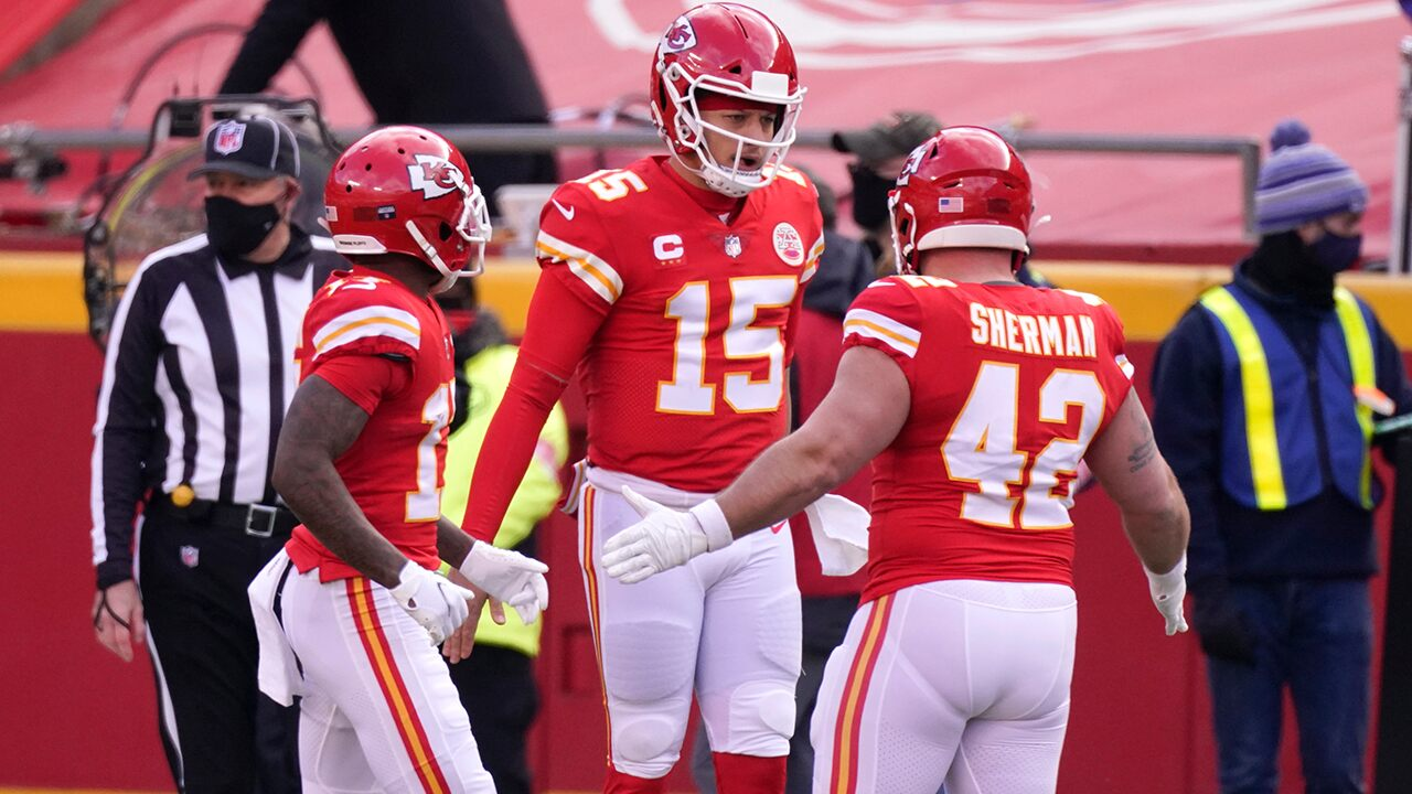 CBS outage at start of Chiefs-Browns playoff game roils NFL fans