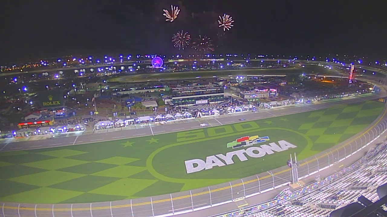 Watch the entire Rolex 24 in just over a minute : Daytona International Speedway Time Lapse