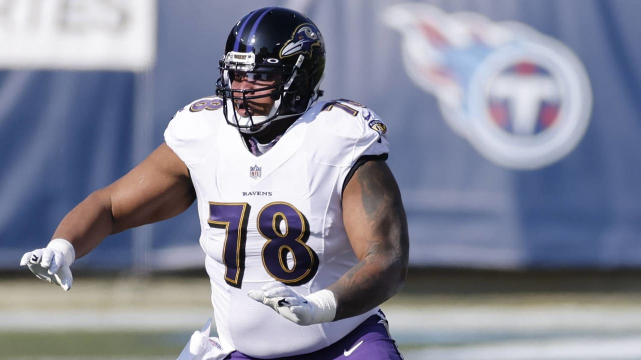 news Orlando Brown requests trade from Ravens, wants to play LT
