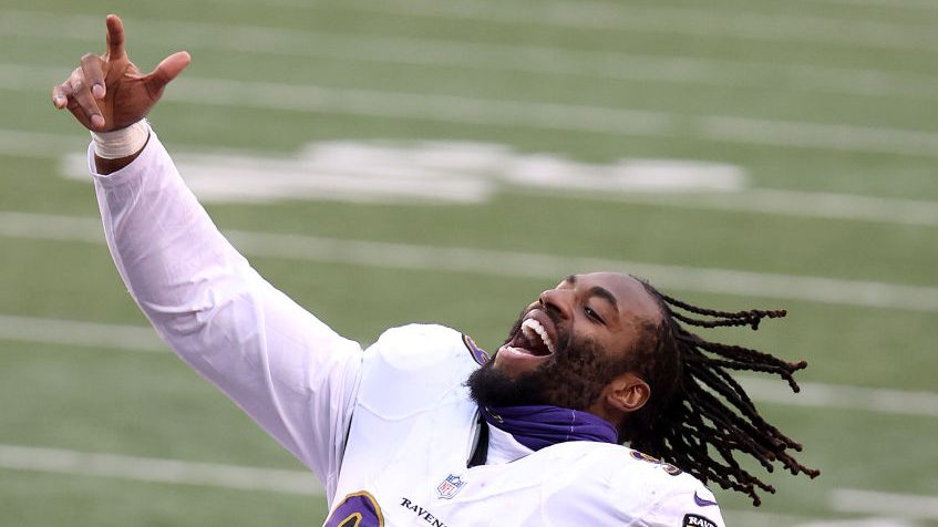 Matthew Judon threatens to leak photos of a reporter in a strip club