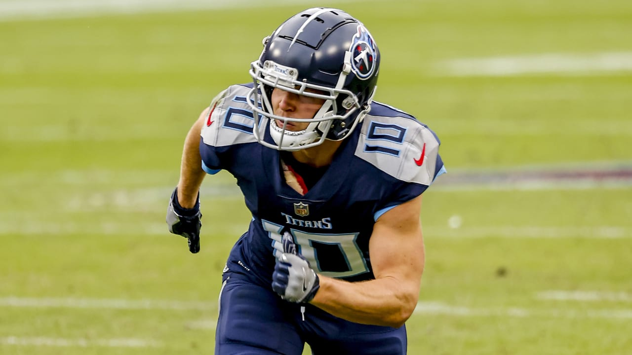 NFL transactions: Titans cut Humphries; Bears re-signing RB Nall