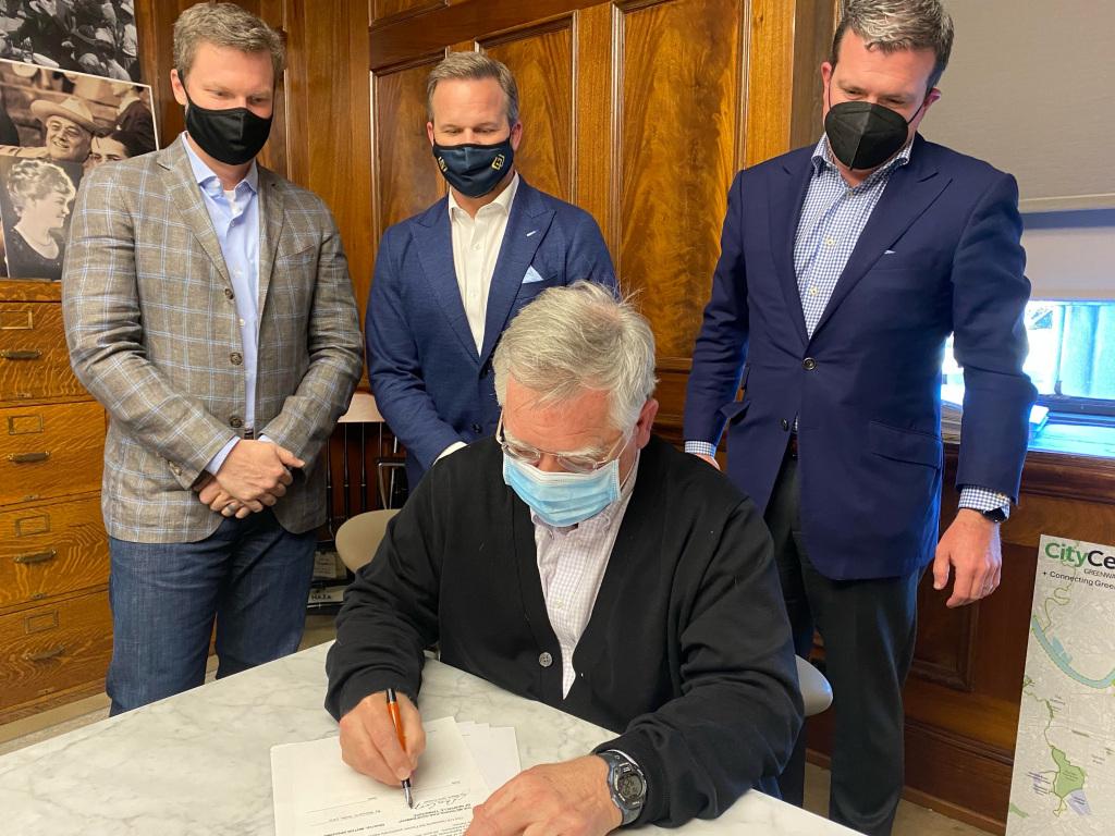 Deal moves return of NASCAR racing at Nashville Fairgrounds Speedway closer