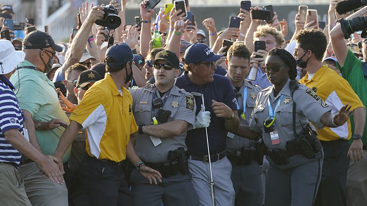 Insane Phil Mickelson crowd frustrates Brooks Koepka: 'No one really gave a s–t'