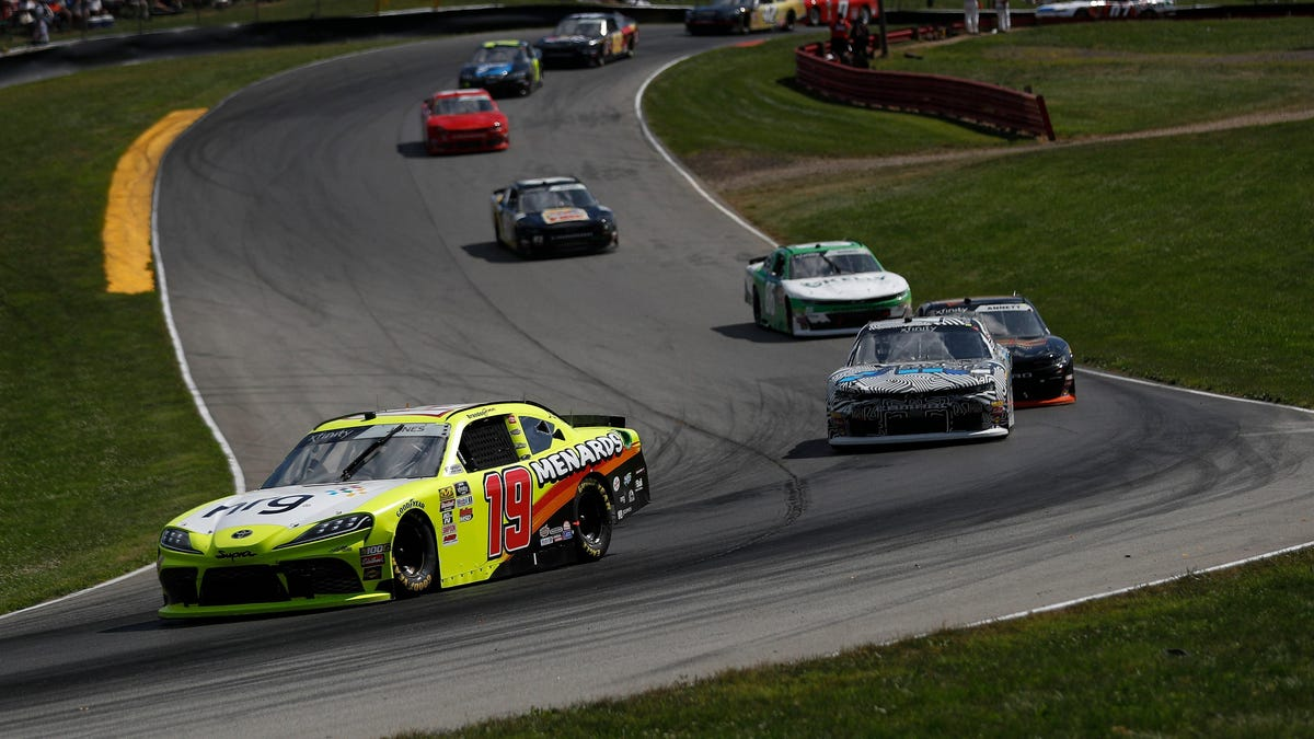 I Am Going To Try, And Possibly Fail, To Explain NASCAR's Pit Stop Procedures For This Weekend's Mid-Ohio Xfin