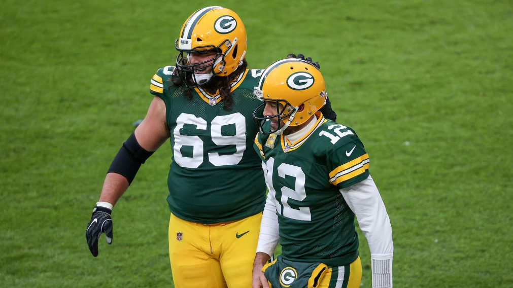 David Bakhtiari: I'm not going to inject myself into Aaron Rodgers' situation