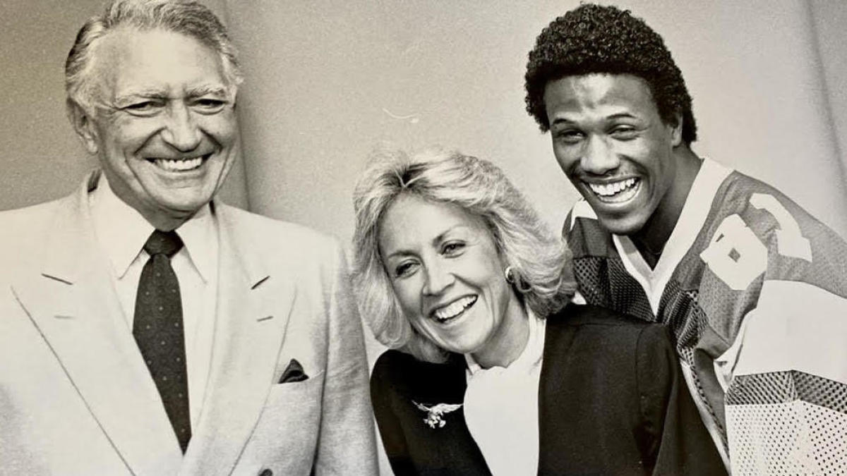 Susan Tose Spencer broke glass ceiling for women in NFL front offices while saving Eagles from disaster