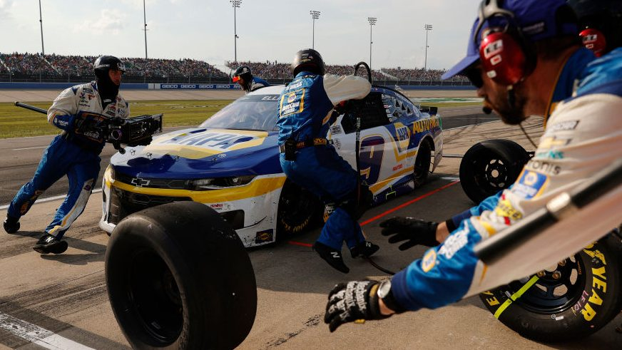 NASCAR disqualifies Chase Elliott for five loose lug nuts