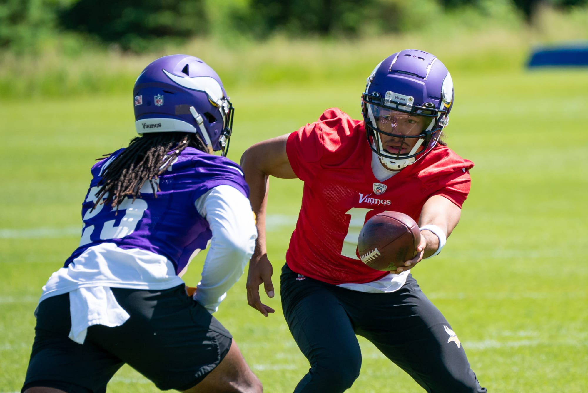 5 young Vikings players to watch closely at 2021 training camp