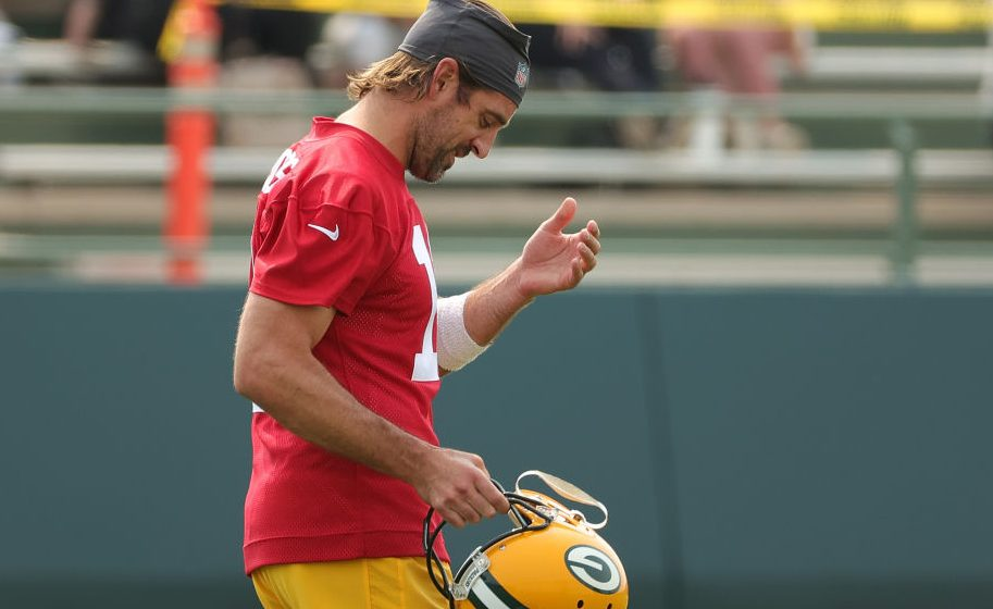 Source: Aaron Rodgers signing bonus forfeiture remains in place for 2022