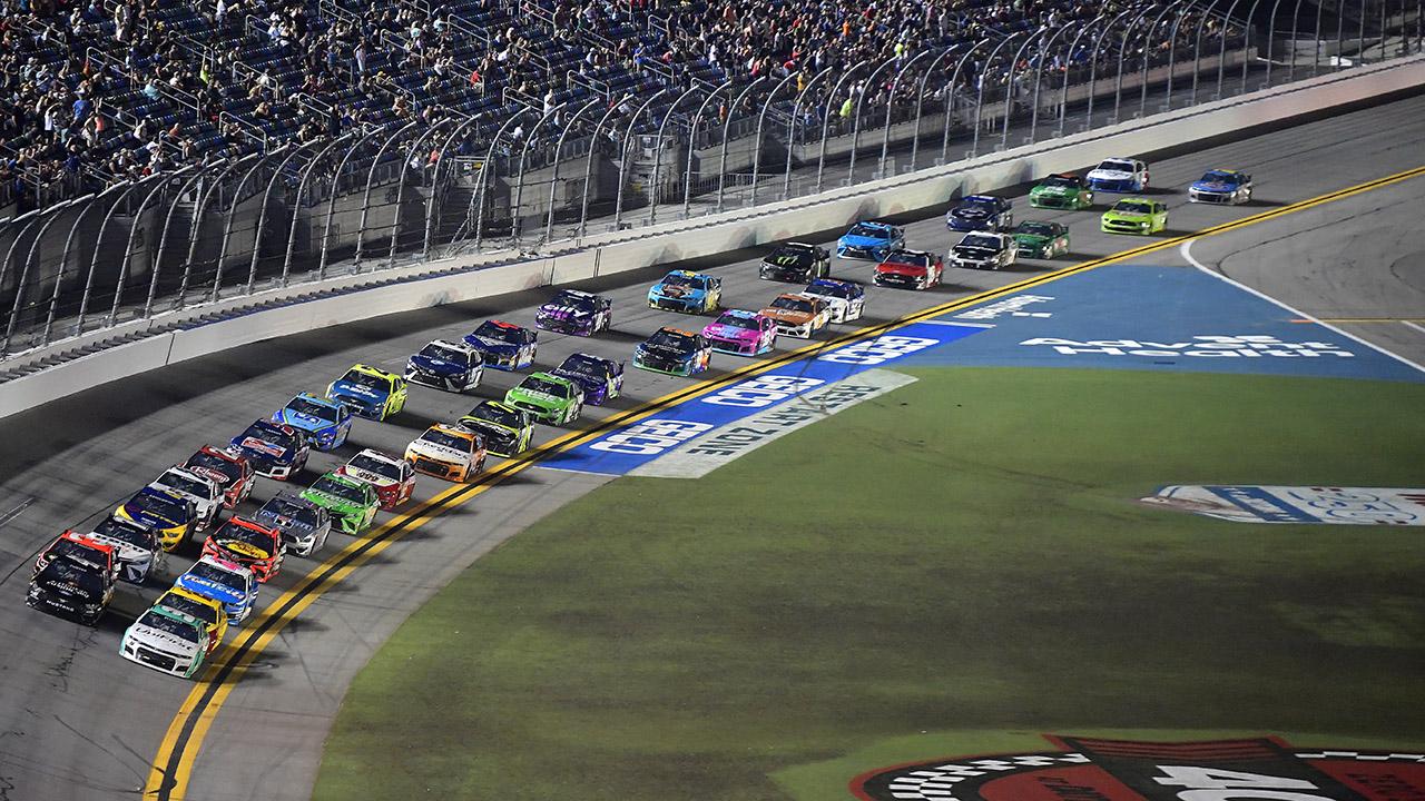 NASCAR: Blaney avoids last-lap wreck to win regular season finale at Daytona